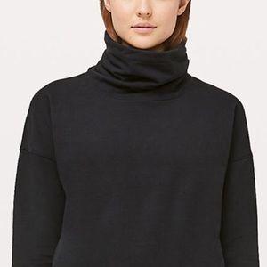 Lululemon turtleneck sweatshirt size 4